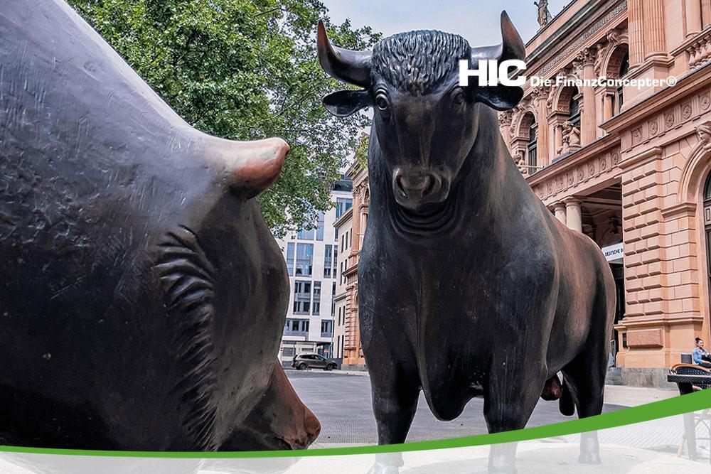 Bär und Bulle vor der Börse Frankfurt